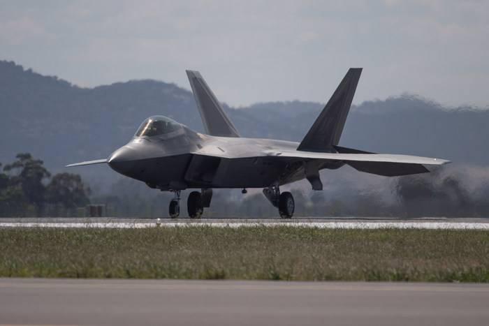 ABD Hava Kuvvetleri F-22 prototipi, tam teşekküllü savaş uçaklarına yükseltildi