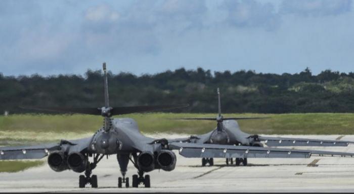 Media: i bombardieri statunitensi a Guam sono pronti ad avanzare verso la RPDC per ordine
