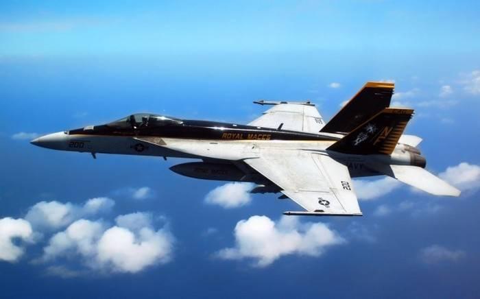 F-18 ВМС США совершил жесткую посадку в аэропорту Бахрейна