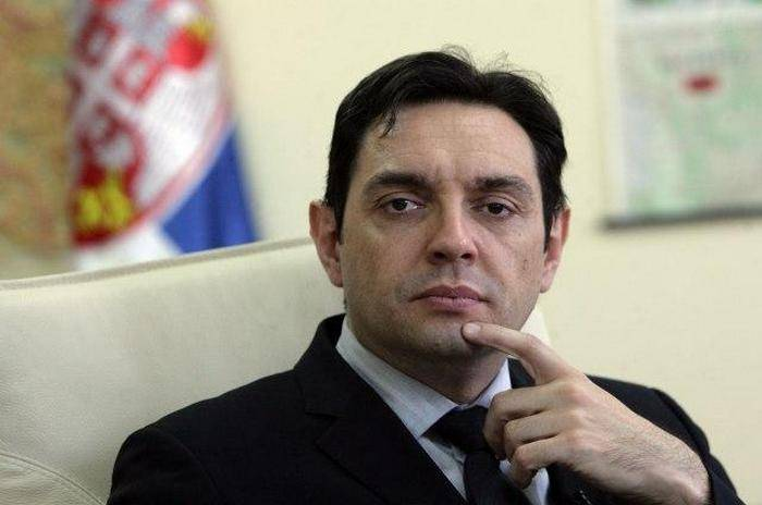 Serbian defense minister says country is not going to join NATO