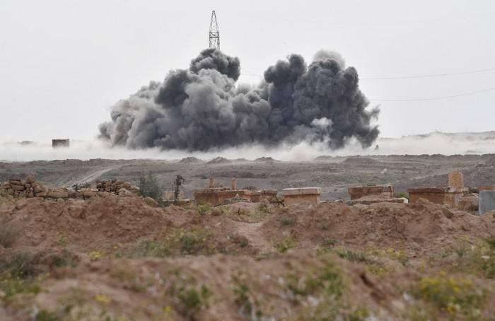 Suriye ordusu, VKS'nin desteğiyle As-Sukhne'yi İslam Devletinden tamamen kurtardı *