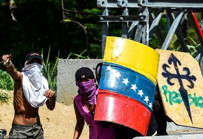 18 Attaccati armati nella base militare venezuelana detenuti