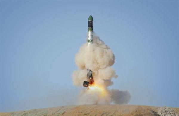 Петр Порошенко поручил расследовать дело опоставках ракетных моторов вКНДР