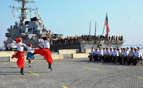 Британские военные играют на волынке и танцуют в центре Киева в День Независимости Украины - Цензор.НЕТ 5650