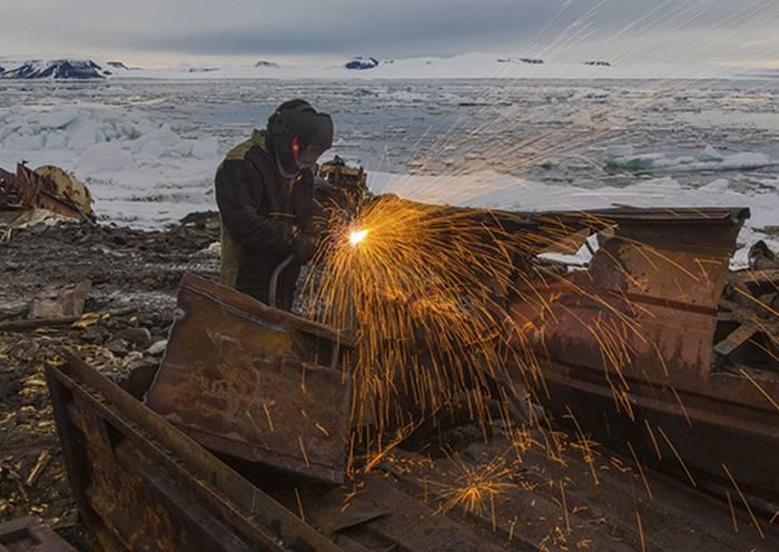 I militari della flotta del Nord hanno realizzato il piano per ripulire l'isola artica di Kotelny