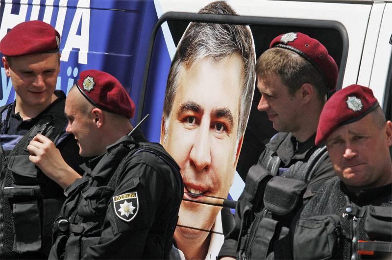 Saakashvili : 저는 트렁크가 아닌 우크라이나로 돌아올 것입니다.