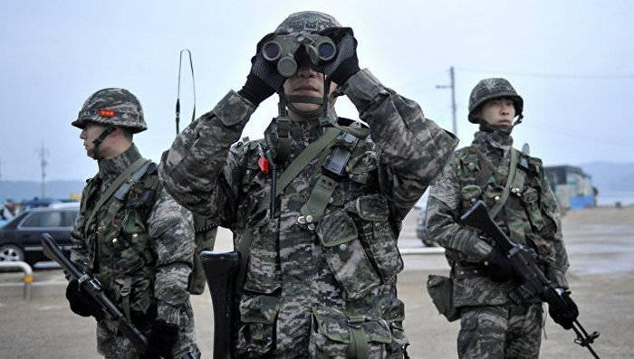 """Güney Kore'de bir egzersiz sırasında kendinden tahrikli bir obüs K9 """"Thunder"""" de bir patlama meydana geldi"""