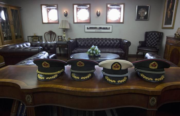Medya: Kara Kuvvetleri 13'in kara komutanlarının tüm komutanları, PLA'da değişti