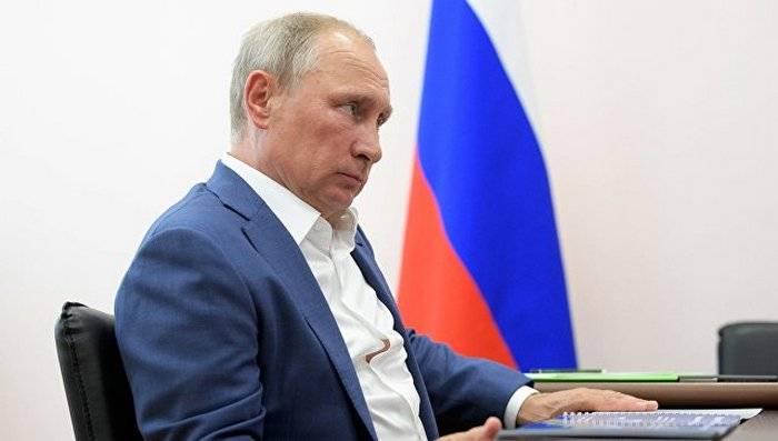 Путин поручил решить проблему военных, ранее служивших в ВСУ