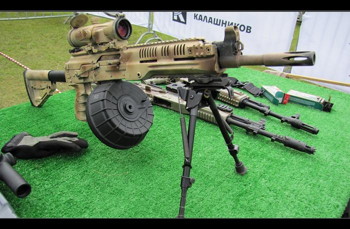 러시아 연방 국방부는 조종사 작전 수행을 위해 RPK-16 경 장비총을 구입했습니다
