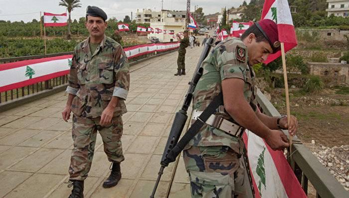Exército libanês destrói fortalezas 12 IG * na fronteira com a Síria