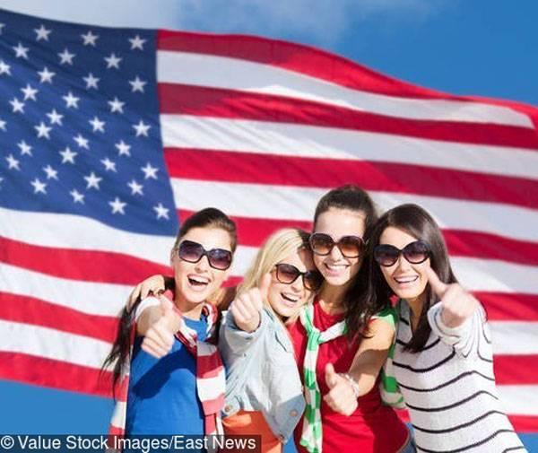 Os Estados Unidos suspenderam a emissão de vistos para cidadãos da Federação Russa por um período indeterminado