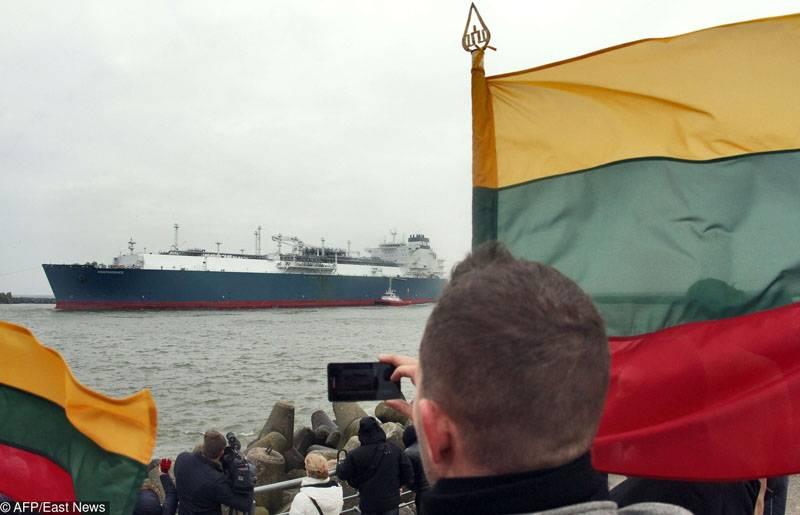 미국 LNG 가스 운반선이 리투아니아에 도착했다.