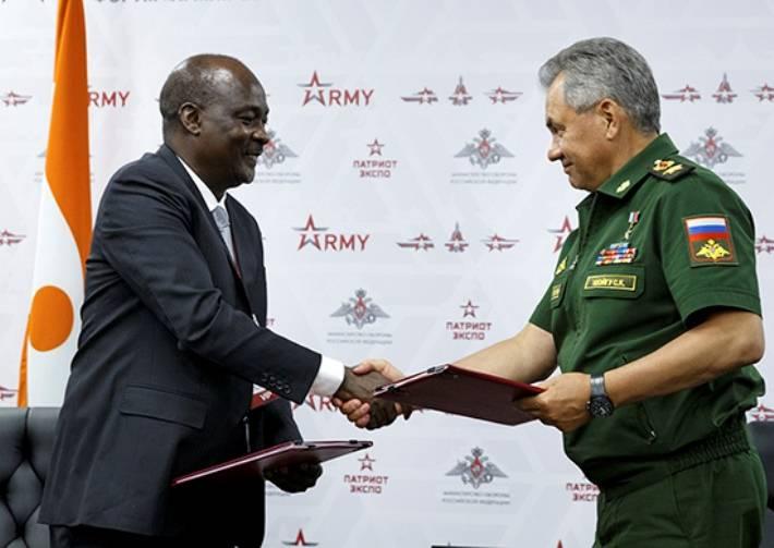 В Российской Федерации открылся международный военно-технический форум «Армия-2017»