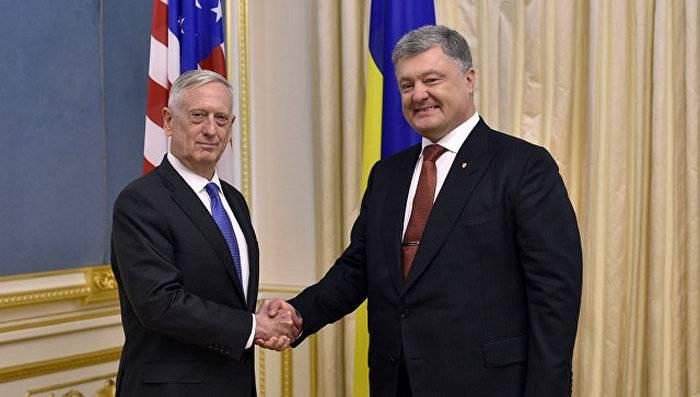 Мэттис рассказал о перспективах поставок Киеву летального оружия