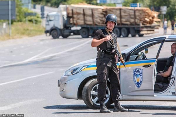 Взрыв у Дома правительства в Киеве