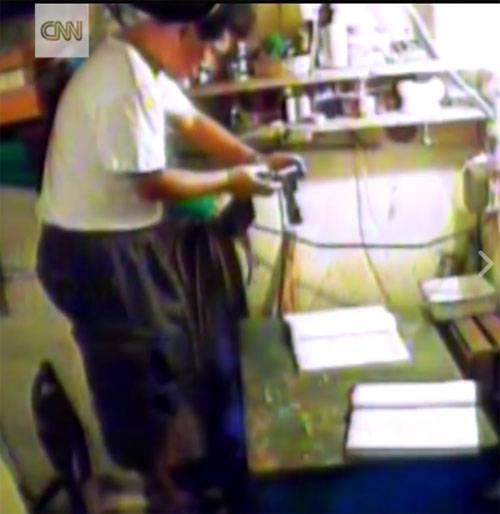 CNN опубликовал видео задержания северокорейских шпионов на Украине