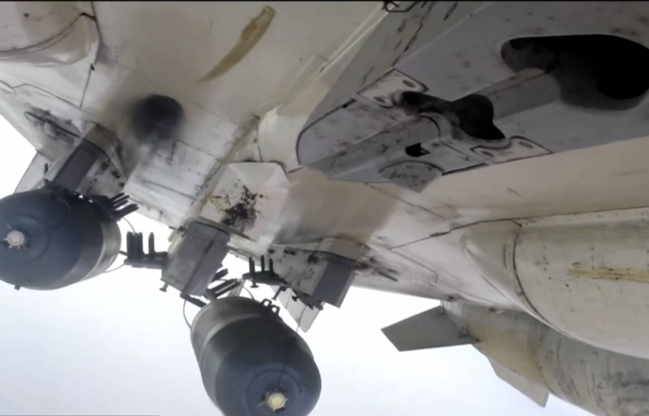 Русская авиация уничтожила вСирии колонну боевиков ИГИЛ