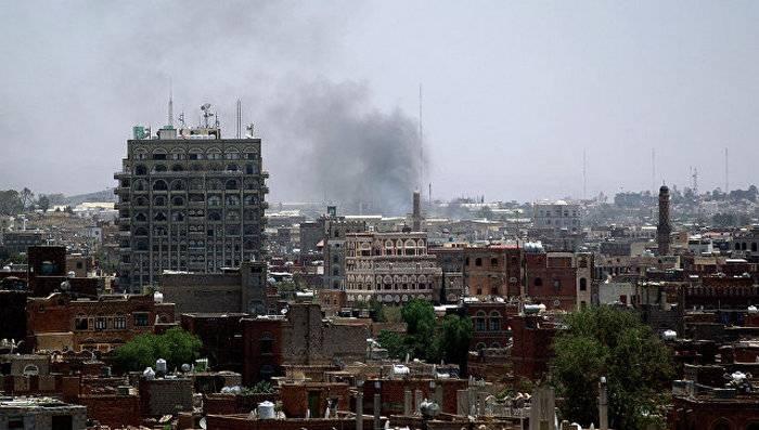 Коалиция нанесла авиаудары по столице Йемена, погибли 14 человек
