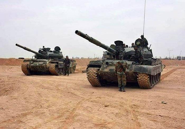 Сирийская армия перешла в наступление на окруженный боевиками ИГ Дейр-эз-Зор