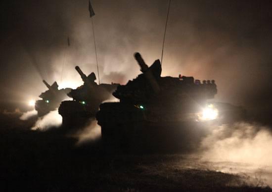 """Спикер """"АТО"""": Три эшелона из России перебросили пять танков на Донбасс"""