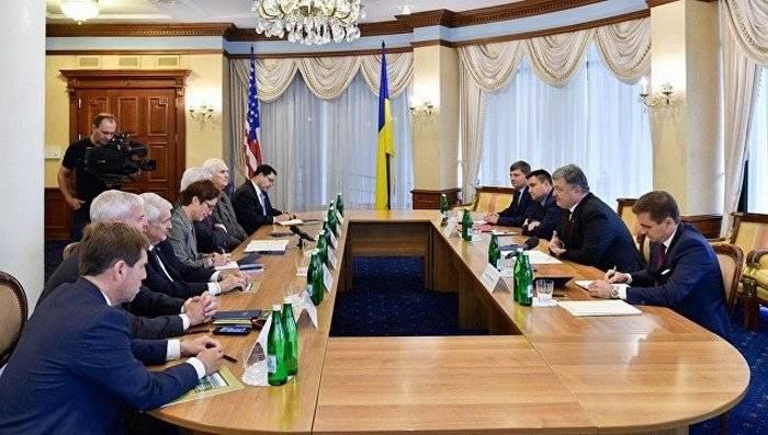 Порошенко опять призвал США увеличить финансирование Украины в сфере обороны