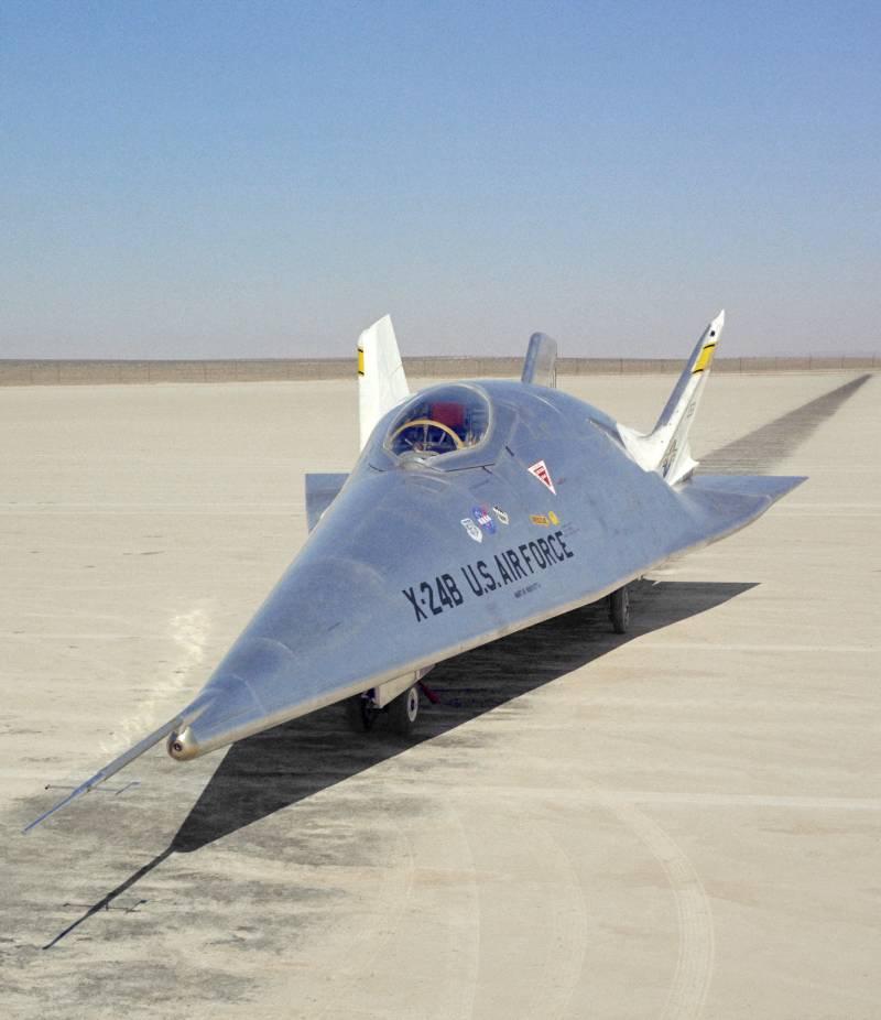 Экспериментальный летательный аппарат Martin Marietta X-24B (США)