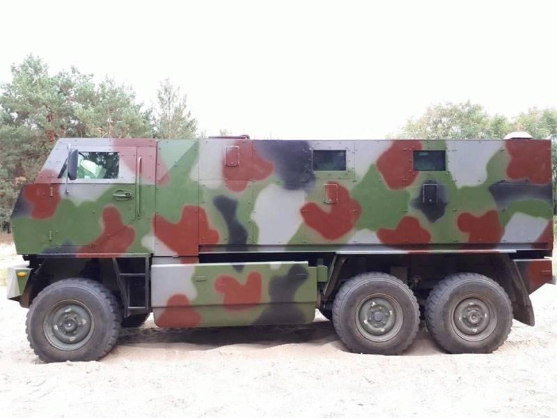 Швейцарский бронеавтомобиль Mowag Duro замечен на Украине