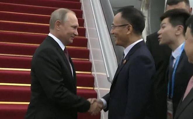 Presidente russo chega à China para a cúpula dos BRICS