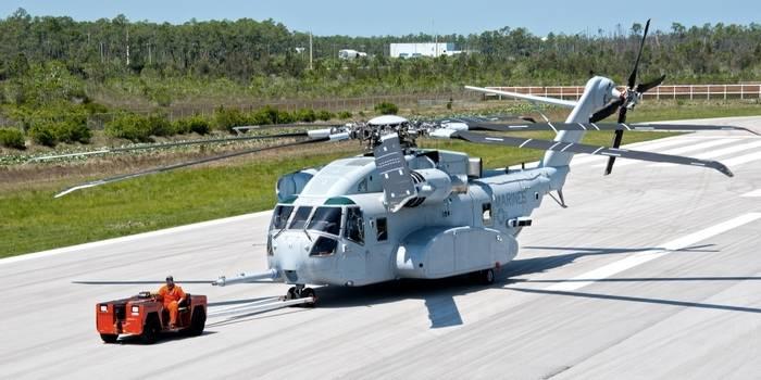 Novo helicóptero americano CH-53K King Stallion entrou em série