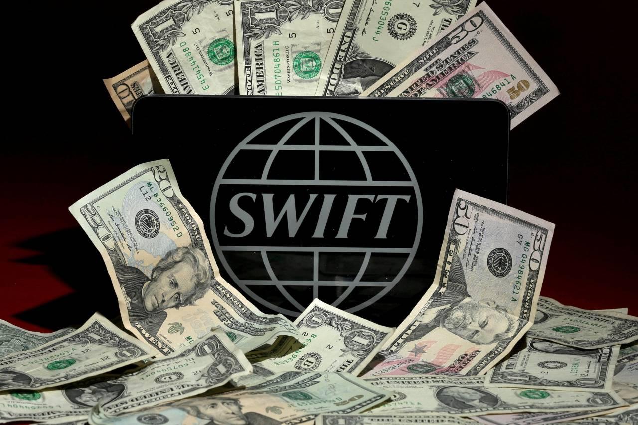 Санкции против российских банков. А в SWIFT ли дело?