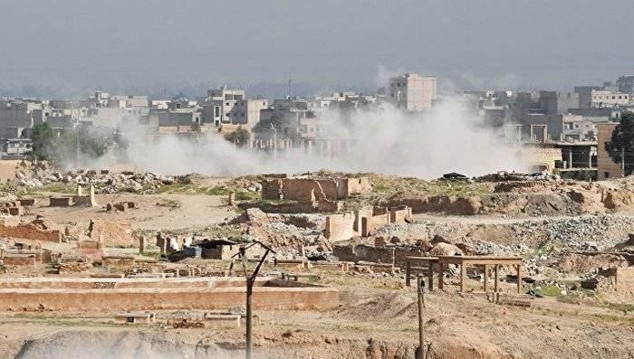 Хезболлах: отряд сирийской армии прорвался через окружение ИГ* в Дейр-эз-Зор