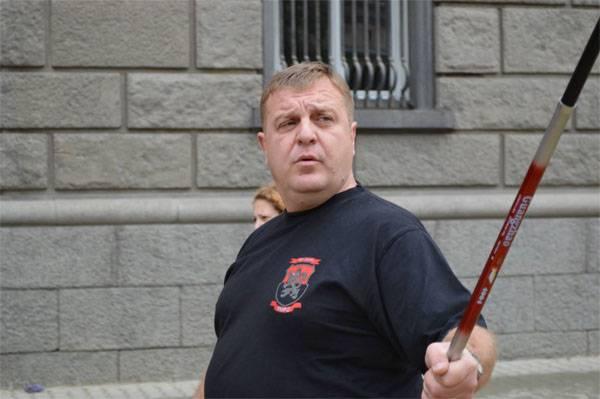 Министр обороны Болгарии: Неграмотность цыган мешает развитию страны