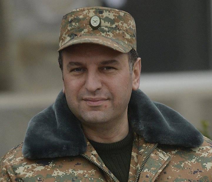 Ministro da Defesa da Armênia sobre a aquisição de armas russas