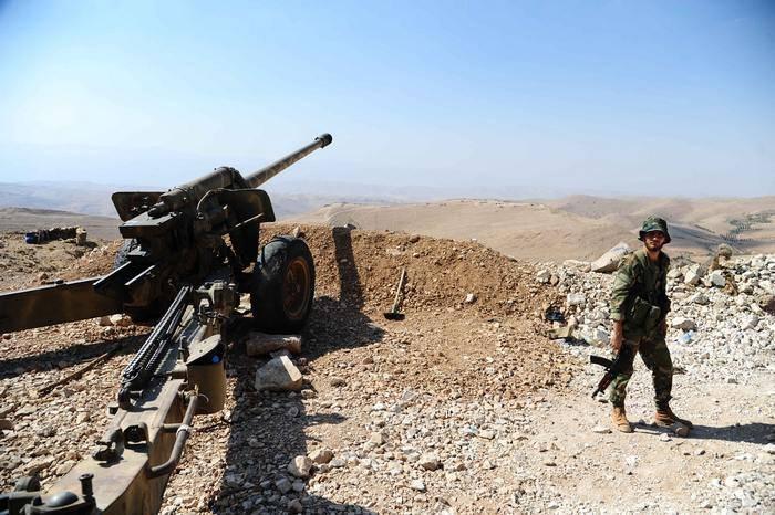 Exército sírio lançou uma ofensiva no leste de Deir ez-Zor