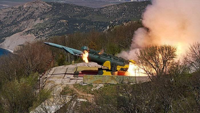"""В ходе учений на ЧФ ракетный комплекс """"Утёс"""" выполнил пуск двух крылатых ракет"""
