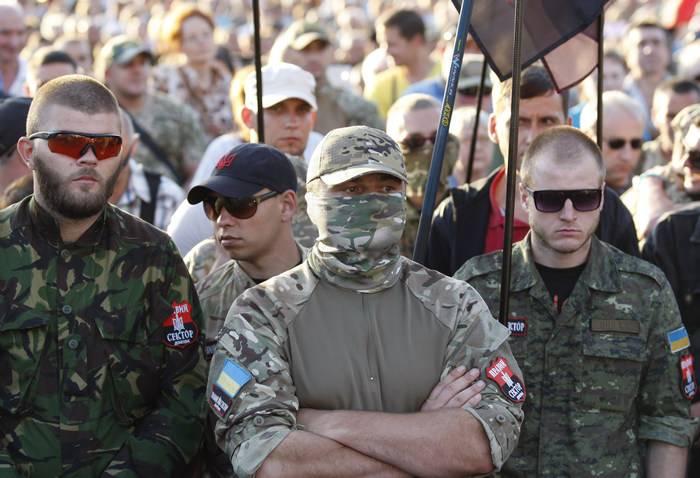 Украинские СМИ: В зоне АТО обострились отношения между ВСУ и нацбатами