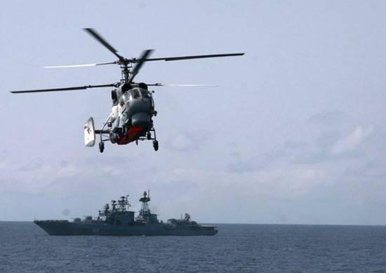 Вертолетчики ТОФ отработали посадку на палубу противолодочного корабля