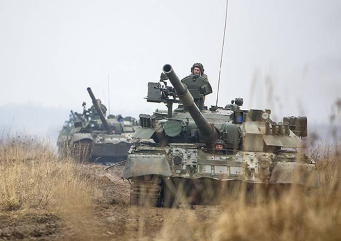 """O primeiro exército de tanques levantou o alarme no âmbito dos exercícios """"West-2017"""""""