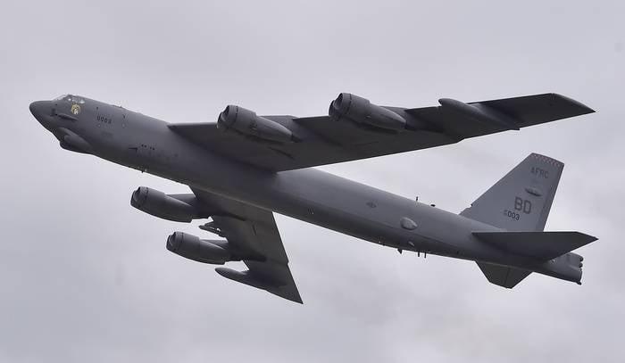 """США перебрасывают в Европу два бомбардировщика B-52 из-за учений """"Запад-2017"""""""