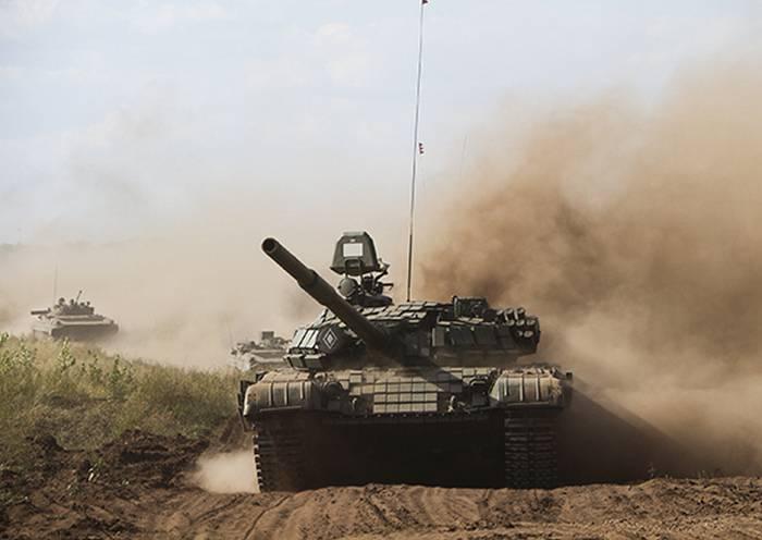 Артиллеристы и танкисты ЦВО провели наступление на учениях под Оренбургом