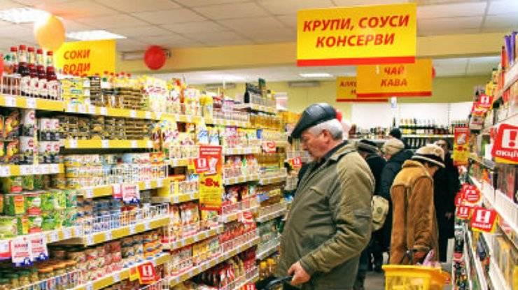 Ucraniano, indignado com o discurso russo do caixa, chamou a polícia