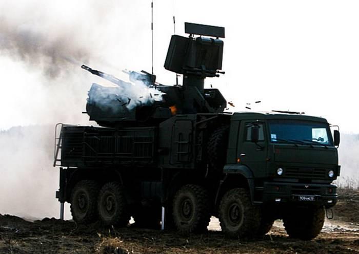 Os artilheiros antiaéreos TsVO receberam uma festa do sistema de defesa aérea Pantsir-С1