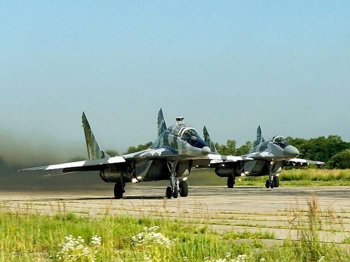 """Força Aérea Ucraniana patrulha a fronteira duramente por causa dos exercícios """"West-2017"""""""