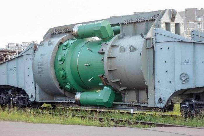 """Первый реактор для ледокола """"Сибирь"""" отправился на """"Балтийский завод"""""""