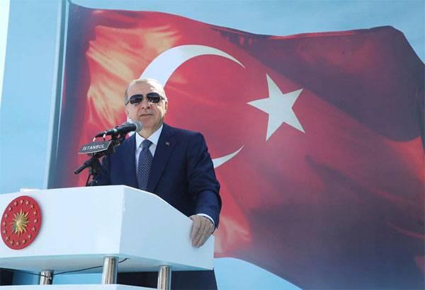 Erdogan - EUA: Você entrega armas a terroristas de graça, mas se recusa a vender para a Turquia