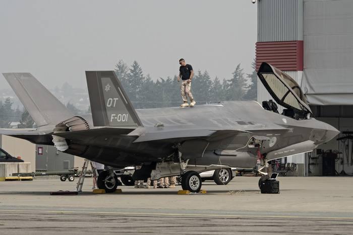 Especialistas: pilotos do F-35 ainda ameaçados com morte por resgate