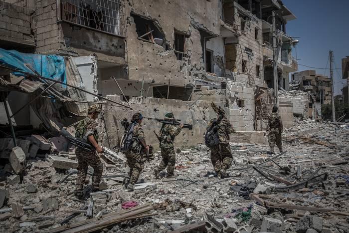 Coalizão dos EUA continua a atacar em Raqqah