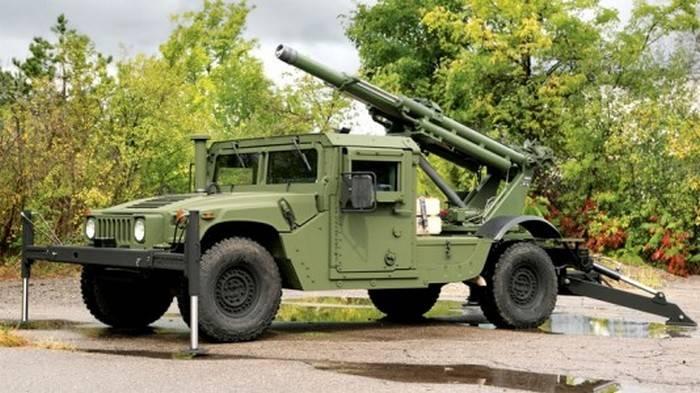 En los Estados Unidos, creó un SUV basado en obuses.