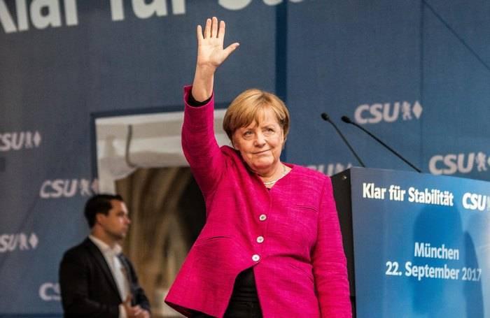 Меркель заявила о готовности G7 ужесточить санкции против России